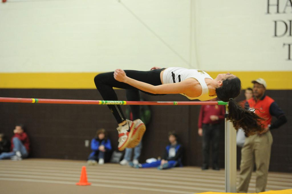 The BWU men's and women's indoor track and field teams each placed third of four teams at the annual Mid-January Meet on Friday, Jan 24.