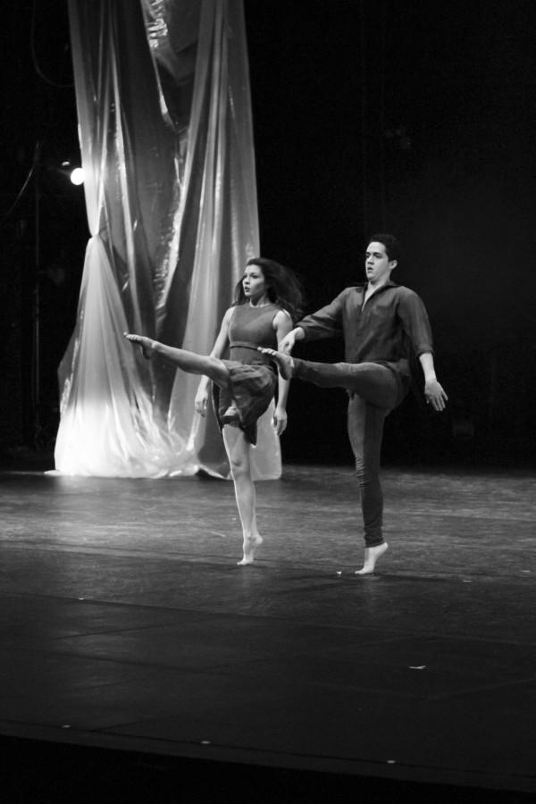 Callee Miles and Ian Smith performing in HOME, choreograpghed by Ian Smith.