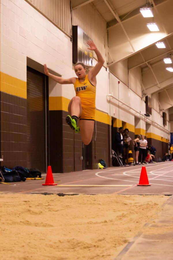 Women's T&F Find Stride, Men Look For Bright Spots